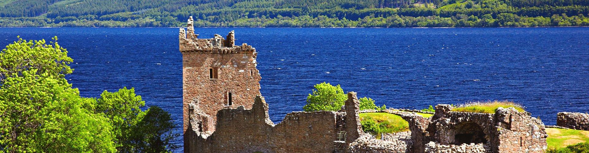 Urghart Castle aan Loch Ness, Schotland, Groot-Brittannië