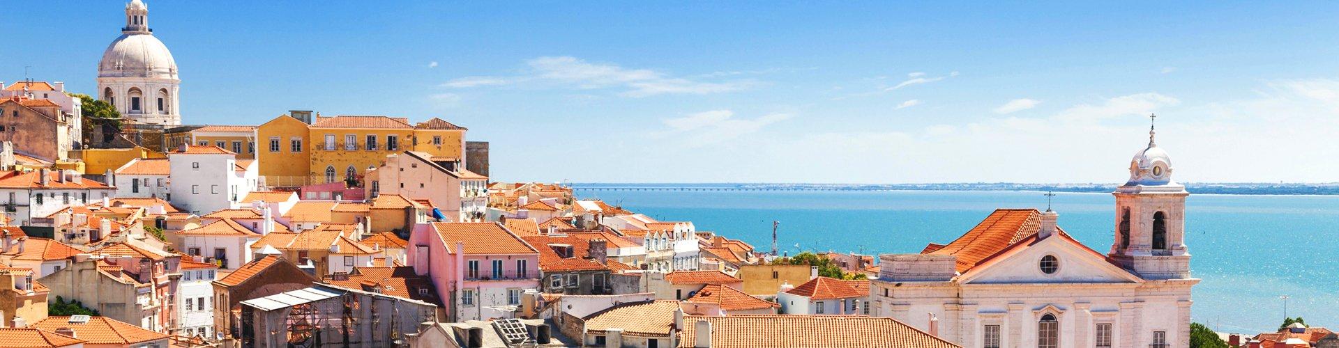 Zicht op Alfama in Lissabon, Portugal