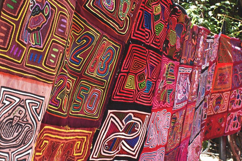 Kleurrijke doeken, Las Blas, Panama