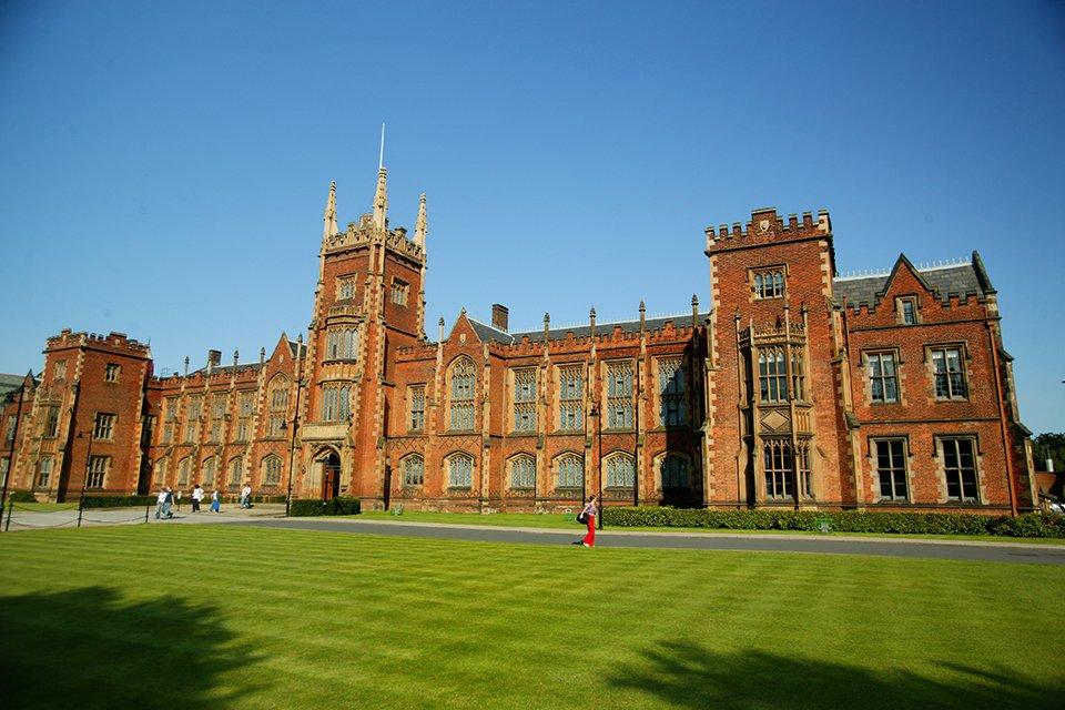 Queens University, Ierland
