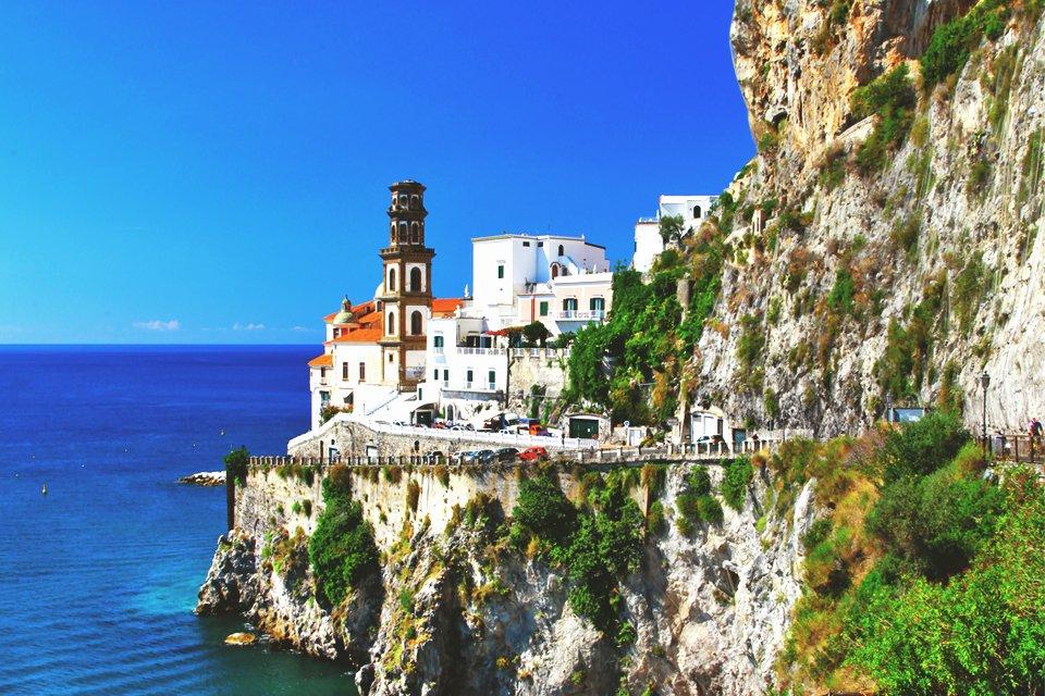 Atrani aan aan de Amalfikust, Italië