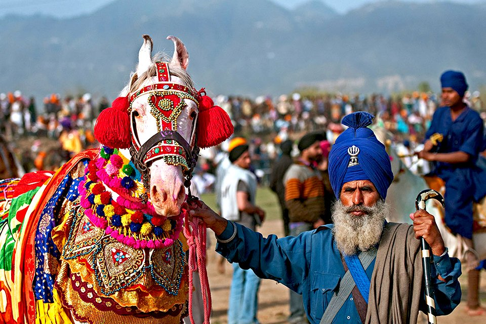 Hola Mohalla festival in India