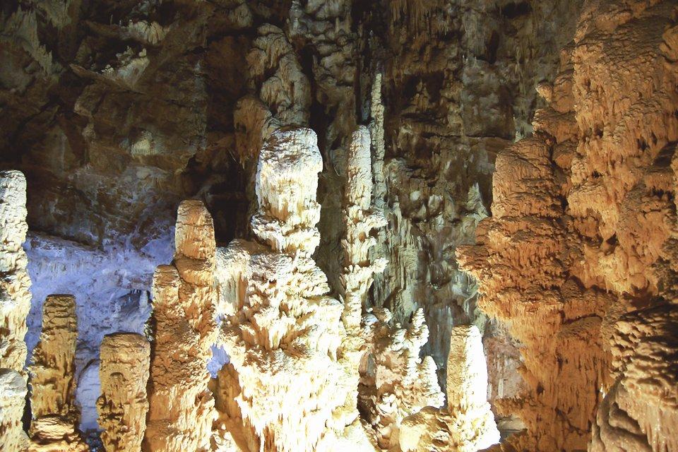 Grotten van Frassasi in de Marken, Italië