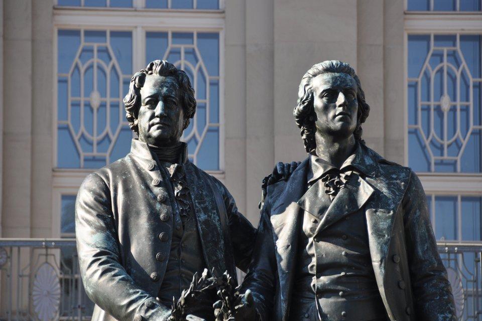 Standbeeld Goethe en Schiller in Weimar, Duitsland