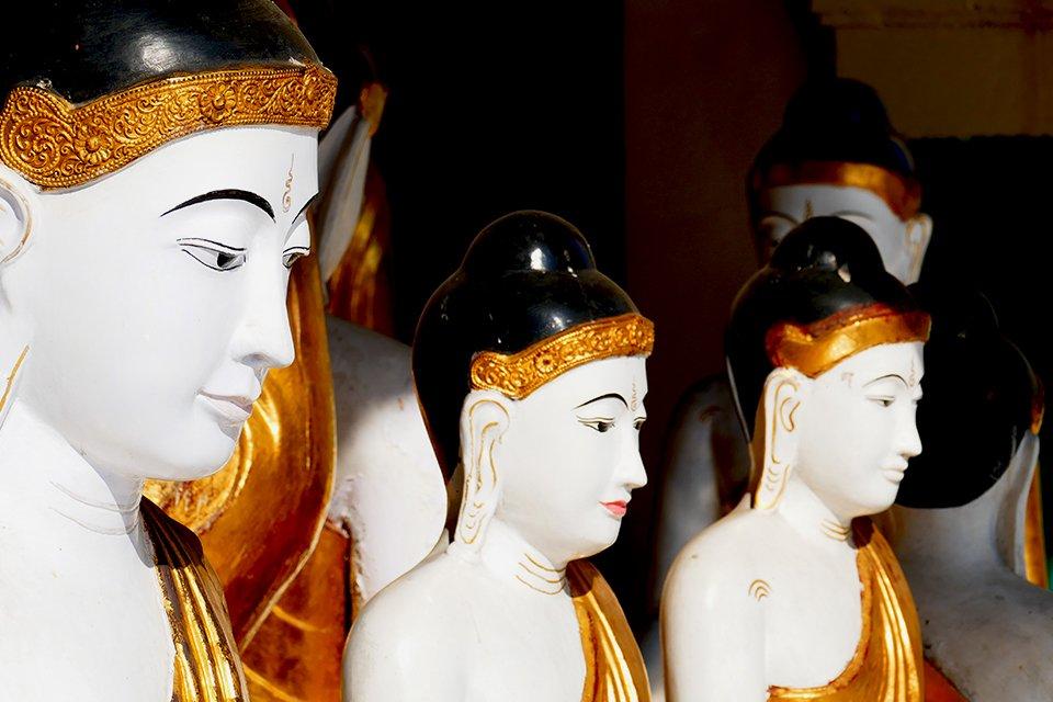 Boeddha in de Schwedagonpagode, Myanmar