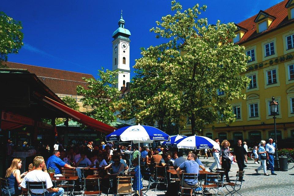 Terras op de Viktualienmarkt in München, Duitsland