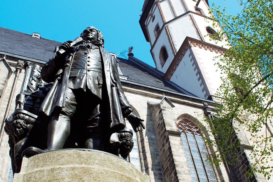 Standbeeld van J.S. Bach voor de Thomaskirche in Leipzig, Duitsland