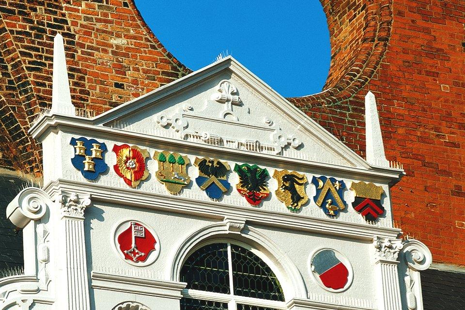Gevel van het stadhuis in Lübeck, Duitsland