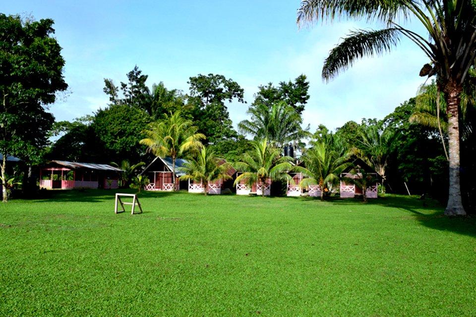 Isadou, Suriname