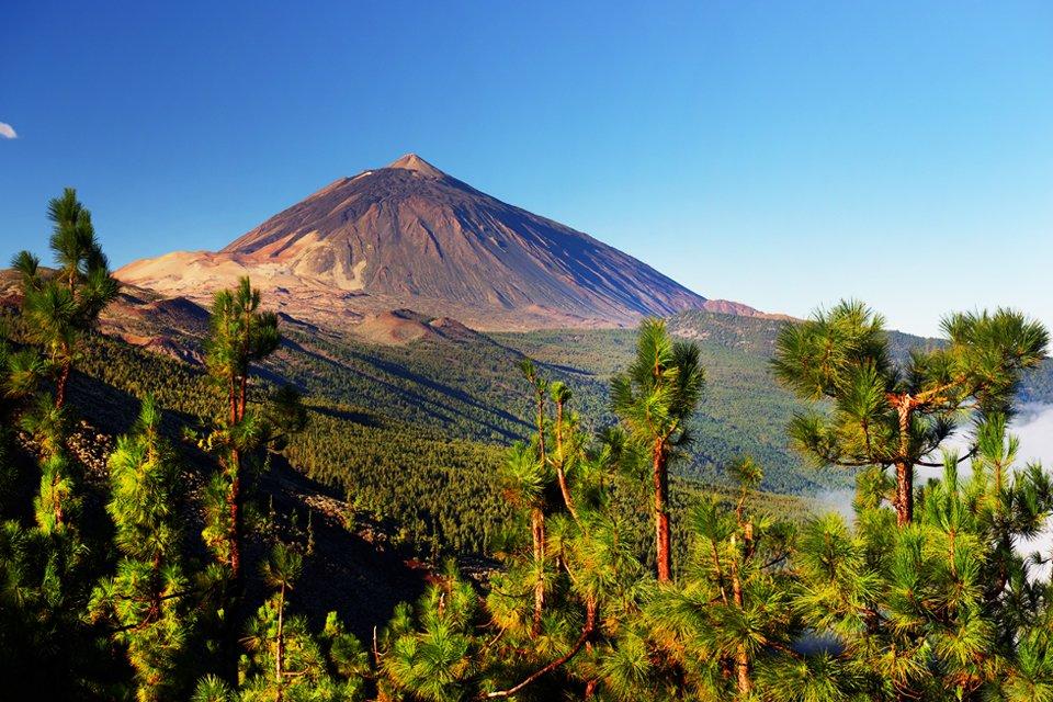 Zicht op de vulkaan Teide op Tenerife, Spanje