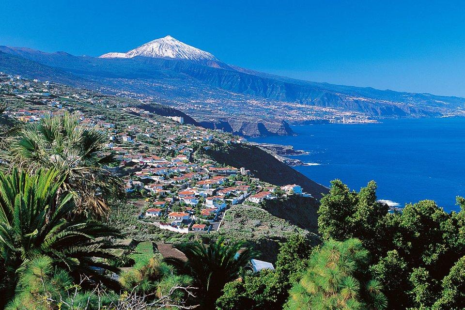 Zicht op Tenerife met Teide, Spanje