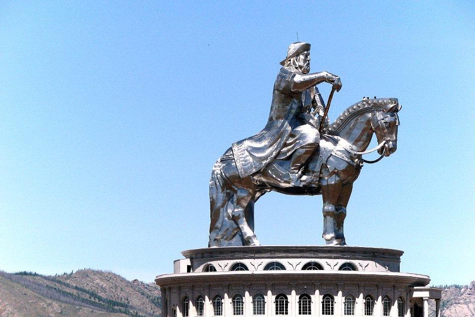 Beeld Dzenghis Khan in Ulaanbaatar, Mongolië