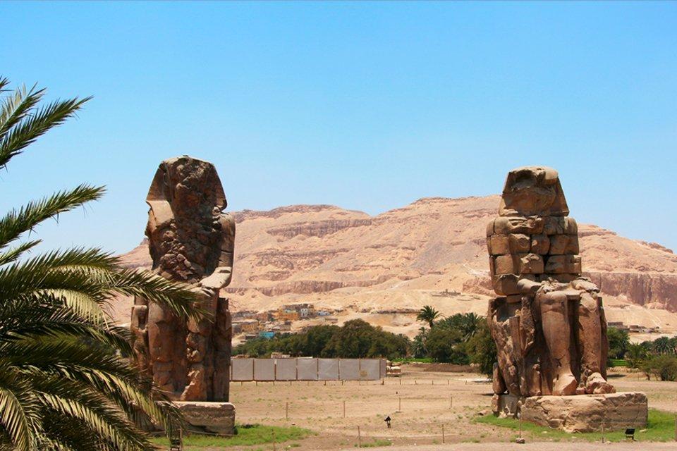 Kolossen van Memnon in Luxor, Egypte