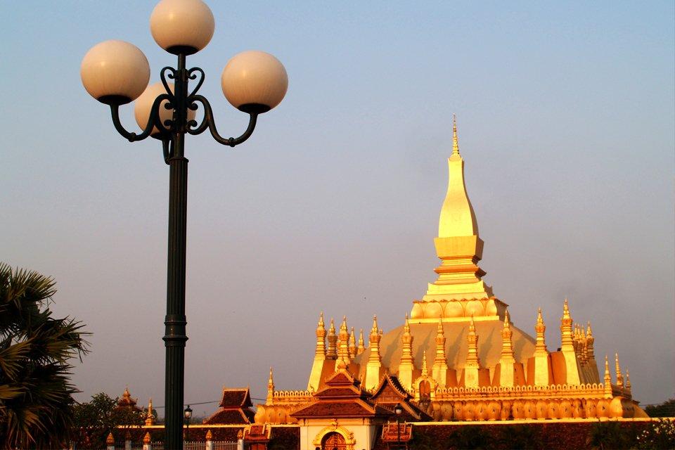 la_laos_golden_pagoda.jpg