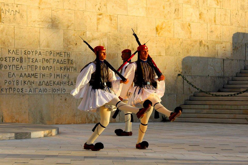 Evzonen op het Syntagmaplein in Athene, Griekenland