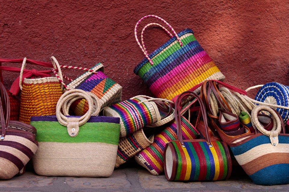 Kleurrijke tassen, Mexico