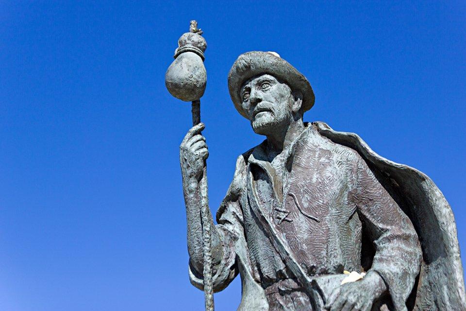 Standbeeld van een pelgrim in Santiago de Compostela