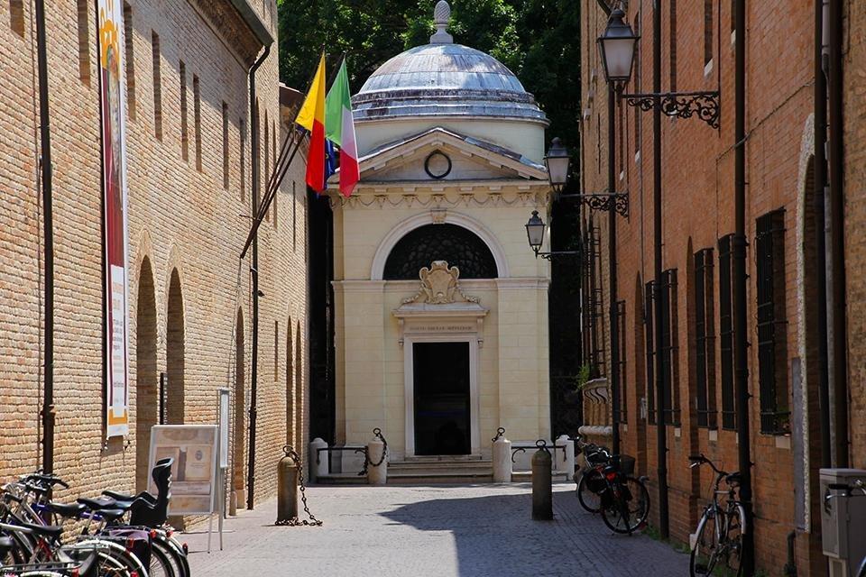 De graftombe van Dante in Ravenna, Italië