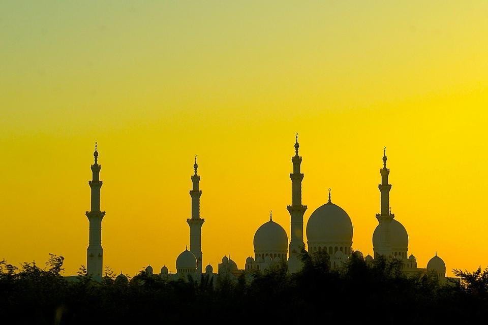Abu Dhabi, Verenigde Arabische Emiraten, tijdens zonsondergang - Foto Peter van de Wiel