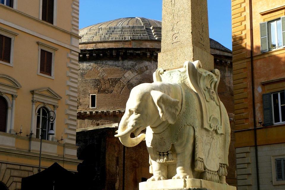 Olifantje van Bernini voor de Santa Maria sopra Minerva, Rome, Italië