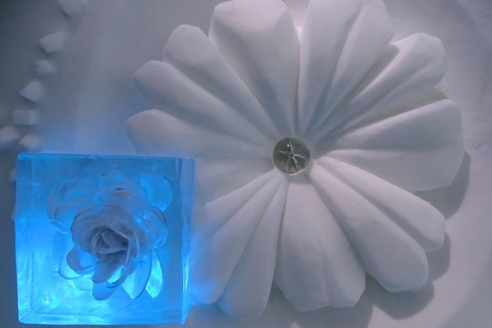 Detail in het Icehotel in Kiruna, Zweden