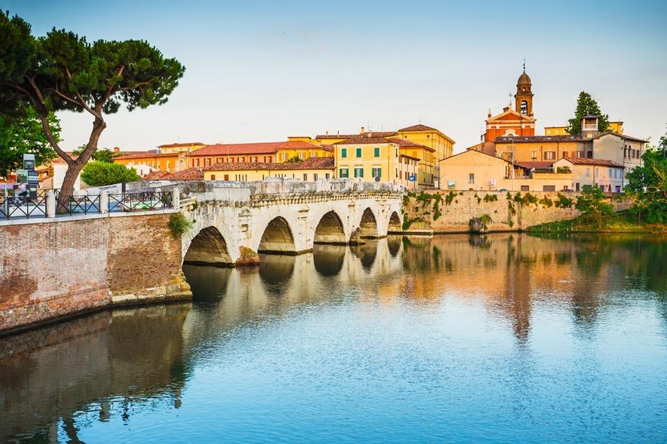 Romeinse brug in Rimini, Italië
