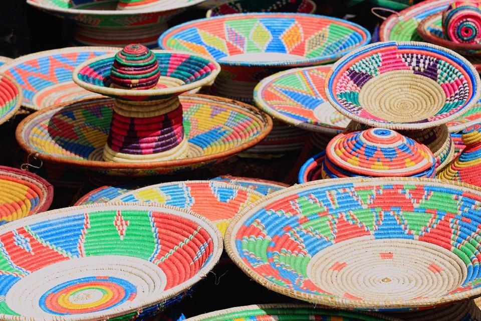 Kleurrijke schalen uit Key Afar, Ethiopië