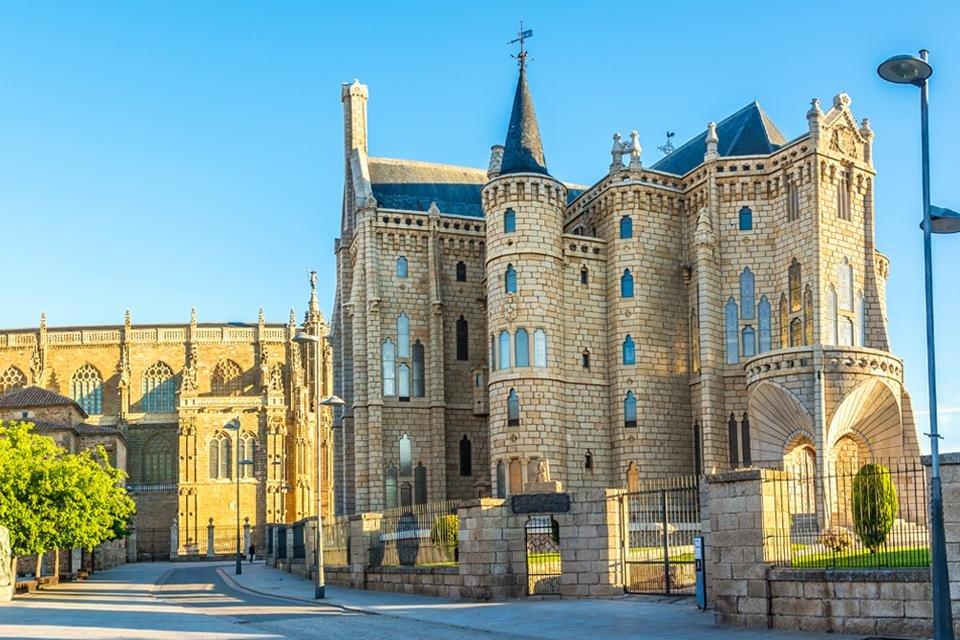 Bisschoppelijk paleis Astorga, Spanje