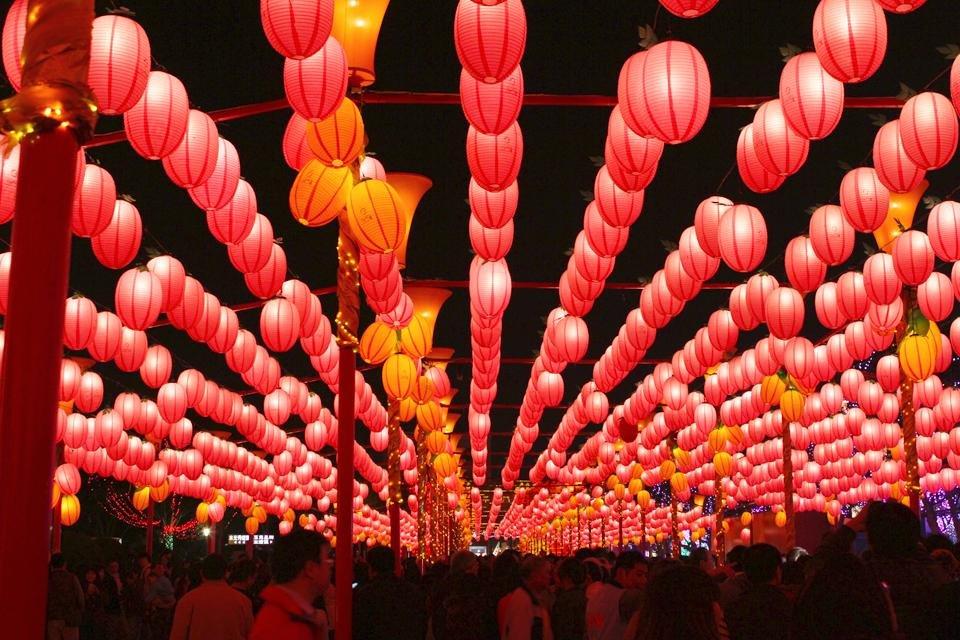 Het Lantaarnfestival met honderden lampionnen in Taiwan