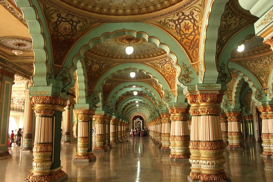 Interieur van het paleis van Mysore, India