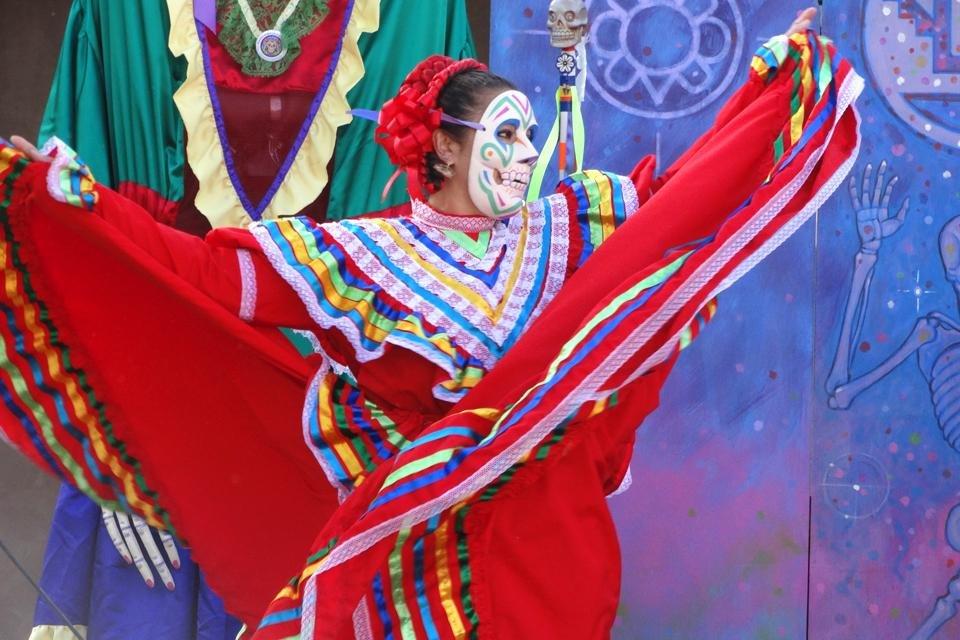 Danseres tijdens Día de los Muertos in Mexico