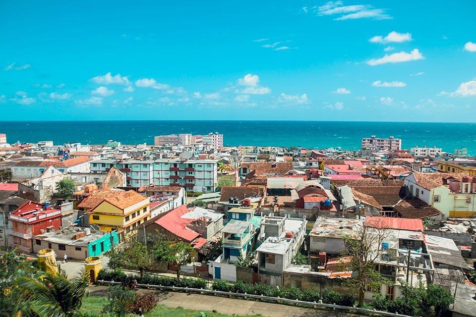 Zicht op Baracoa, Cuba