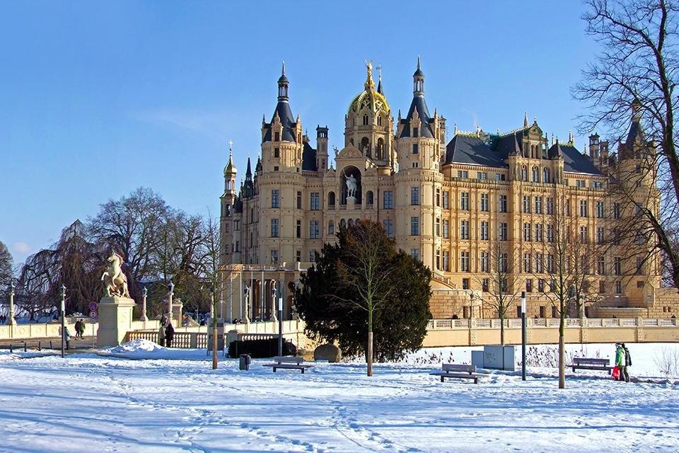 Kasteel van Schwerin in de winter, Duitsland