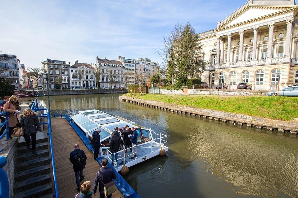 Rondvaart in Gent, België