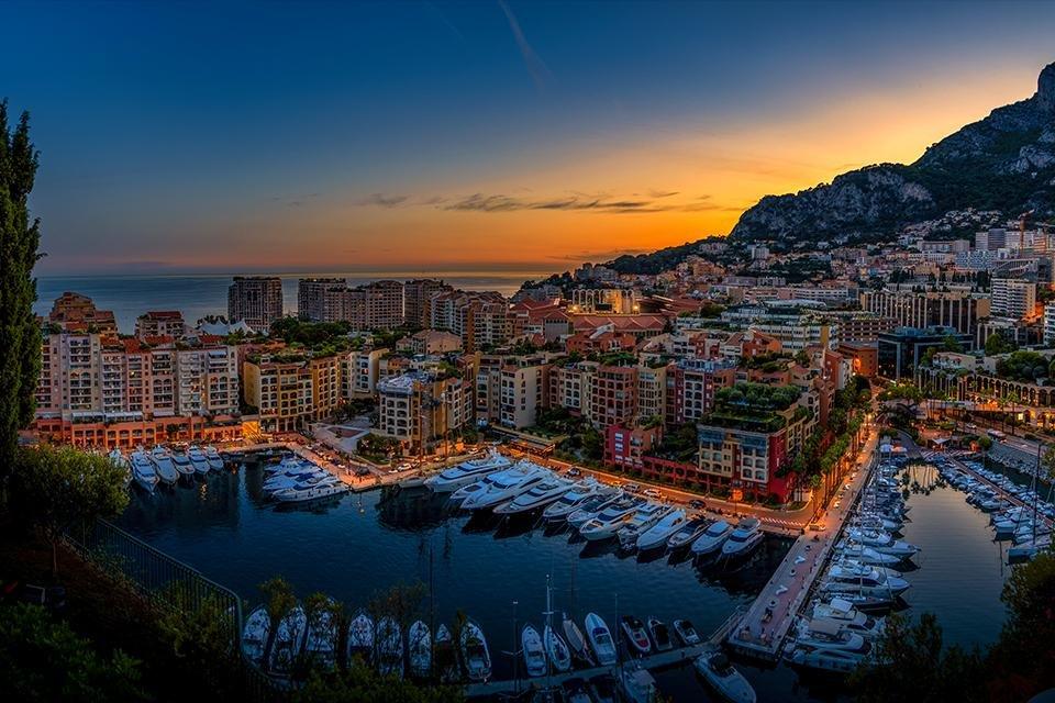 Zicht op de haven van Monaco, Frankrijk