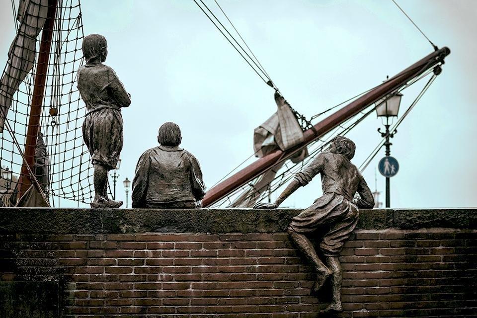 de scheepsjongens van de Bontekoe, Hoorn, Nederland