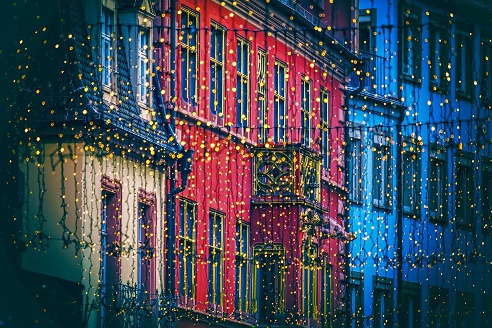 Freiburg, Duitsland met kerstversiering