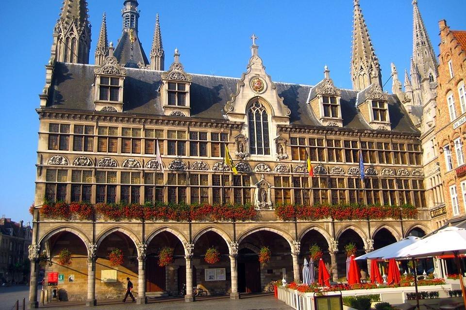De Grote Markt in Ieper, België