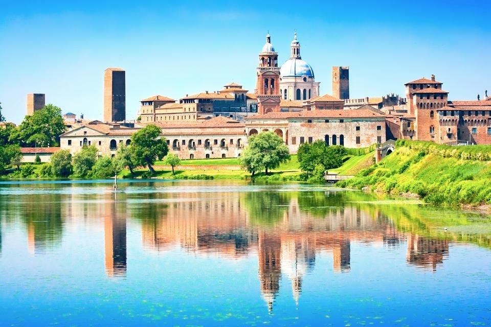 zicht op Mantua, Italië