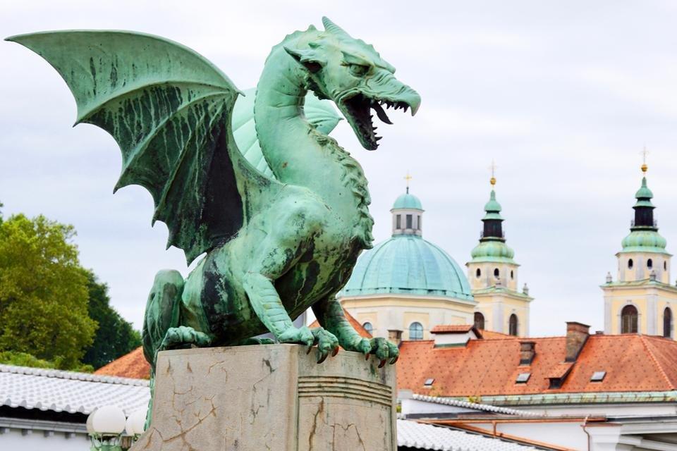 Draak in Ljubljana, Slovenië, Peter van de Wiel foto