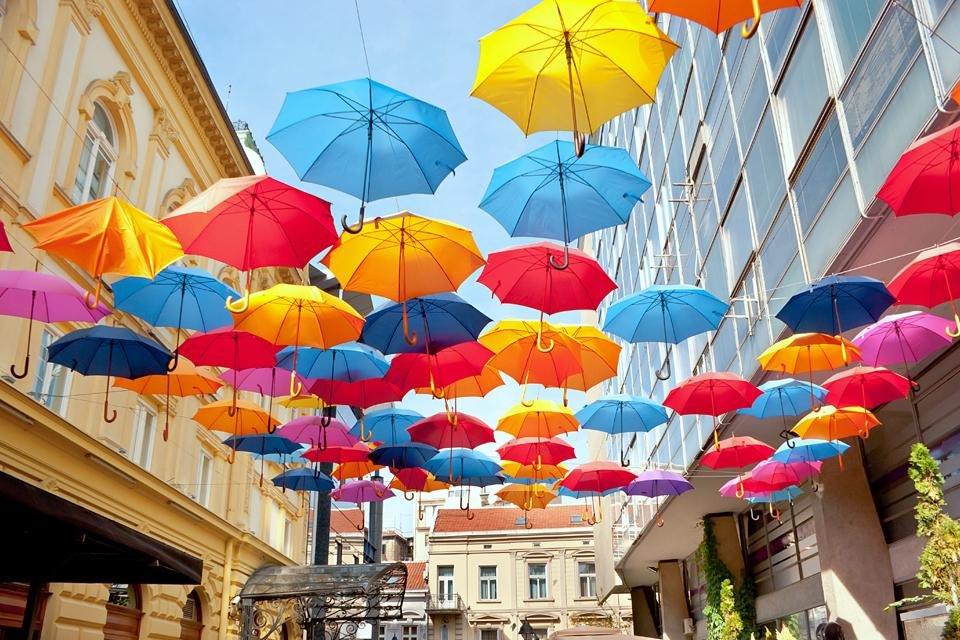 Versierde straat in Belgrado, Servië