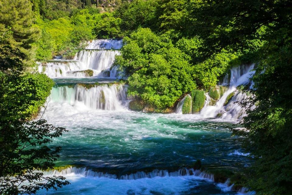Watervallen in nationaal park Krka in Kroatië